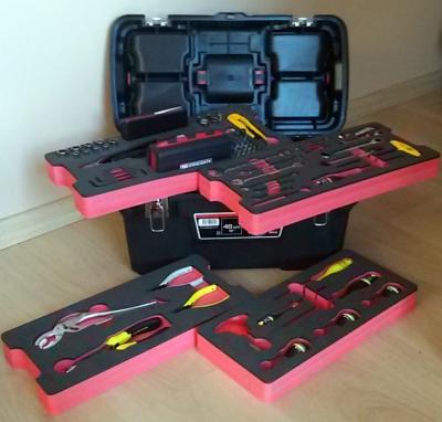 caisse outils ensemble