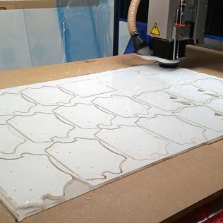 découpe pièces plexiglas